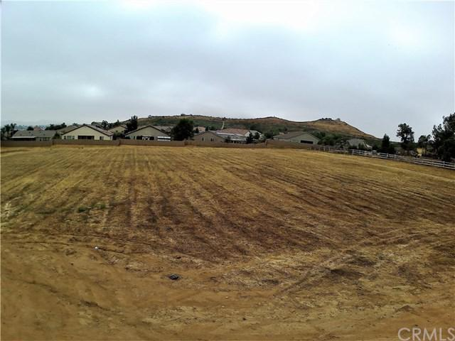 2 Pleasant Valley, Menifee, CA 08096 (#SW17262626) :: Realty Vault