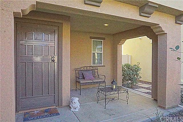 1431 Chinaberry Lane, Beaumont, CA 92223 (#IV17262738) :: Realty Vault