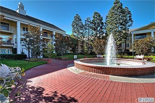 101 Scholz Plaza #118, Newport Beach, CA 92663 (#SB17262709) :: Doherty Real Estate Group