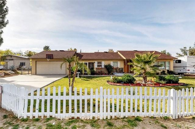 25553 Fairview Avenue, Hemet, CA 92544 (#SW17262812) :: Realty Vault
