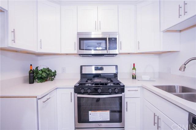 25861 Via Lomas #229, Laguna Hills, CA 92653 (#PW17210722) :: Doherty Real Estate Group