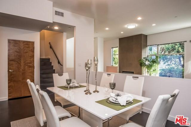 900 N West Knoll Drive #6, West Hollywood, CA 90069 (#17291076) :: The Darryl and JJ Jones Team