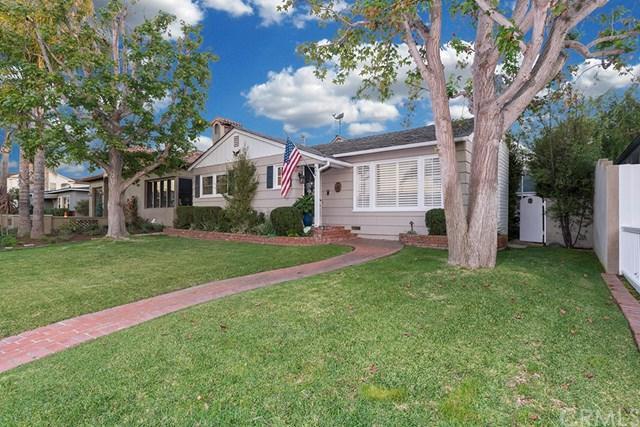 404 Fullerton Avenue, Newport Beach, CA 92663 (#OC17263043) :: Doherty Real Estate Group