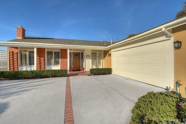 25201 La Estrada Drive, Laguna Niguel, CA 92677 (#OC17263102) :: Doherty Real Estate Group