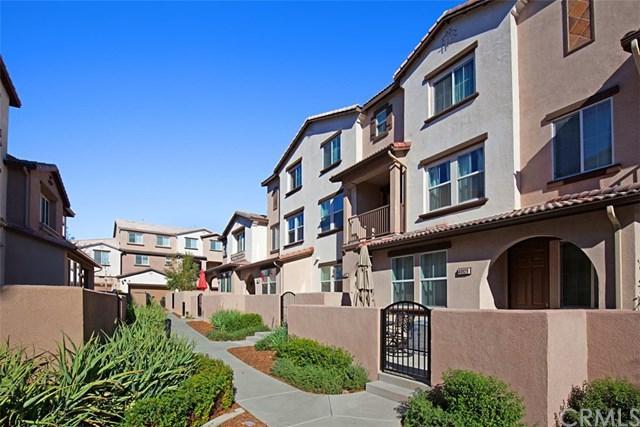 40929 Lacroix Avenue, Murrieta, CA 92562 (#SW17262912) :: Realty Vault