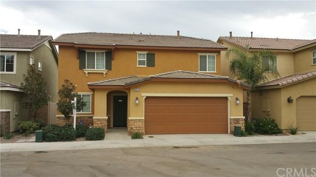 34219 Parkside Drive, Lake Elsinore, CA 92532 (#CV17263326) :: Realty Vault