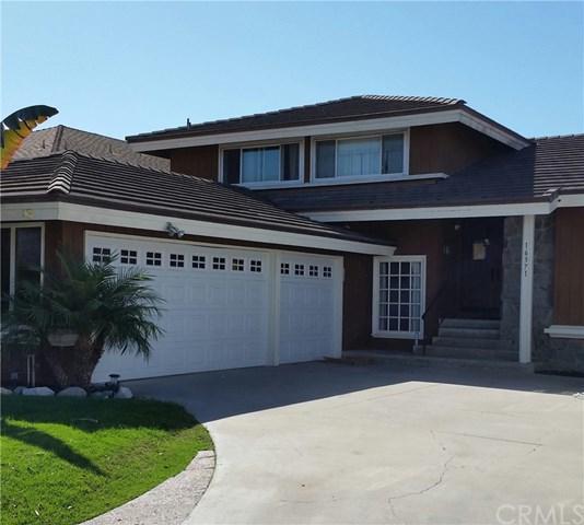 16371 Tufts Lane, Huntington Beach, CA 92647 (#OC17263655) :: The DeBonis Team