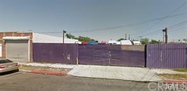 818 Flint Avenue, Wilmington, CA 90744 (#MB17266589) :: Impact Real Estate