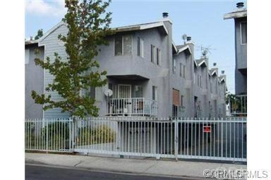 1067 252nd St #9, Harbor City, CA 90505 (#SB17266799) :: Lamb Network