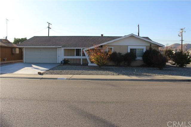 28871 Hogan Drive, Sun City, CA 92586 (#SW17267867) :: The Val Ives Team