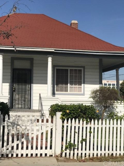 252 W 9th Street, San Pedro, CA 90731 (#SB17268802) :: Keller Williams Realty, LA Harbor