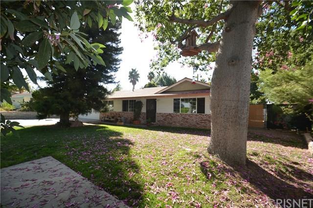 10020 Jimenez Street, Sylmar, CA 91342 (#SR17269182) :: Fred Sed Realty