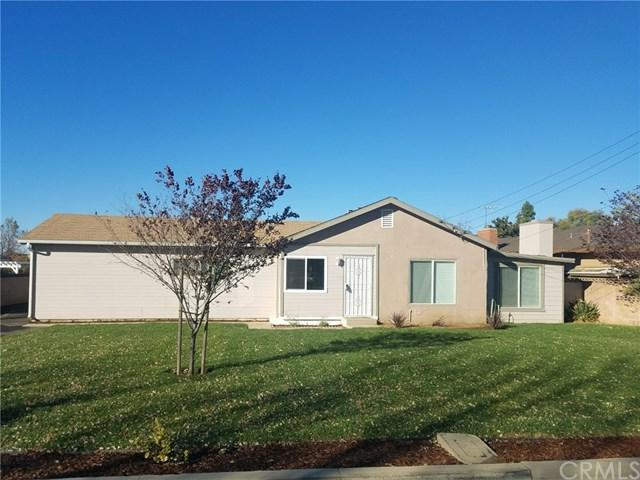 1365 Palm Avenue, Beaumont, CA 92223 (#EV17270609) :: California Realty Experts