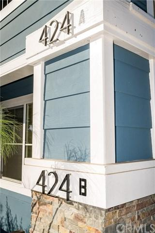 424 W 2nd Street, San Pedro, CA 90731 (#DW17270595) :: Kato Group