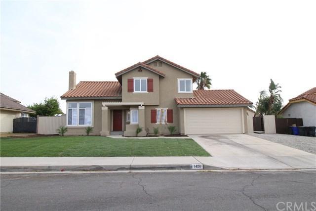 1451 N Marcella Avenue, Rialto, CA 92376 (#CV17271057) :: Mainstreet Realtors®