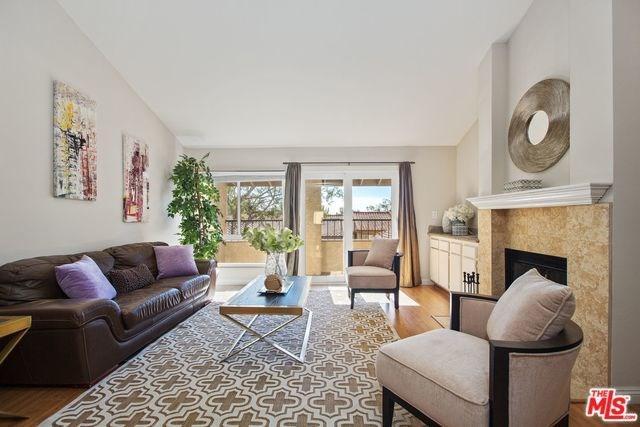 19565 Rinaldi Street #17, Northridge, CA 91326 (#17294966) :: Fred Sed Realty