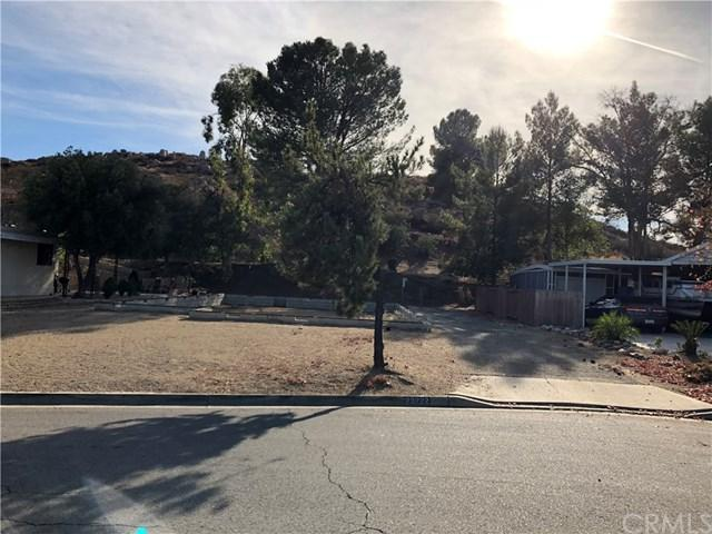 23222 Skylink Drive, Canyon Lake, CA 92587 (#IV17269197) :: California Realty Experts