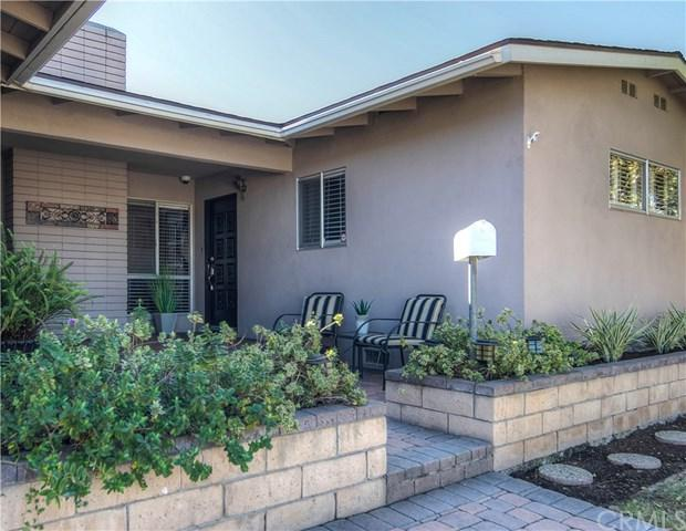 7692 Alhambra Drive, Huntington Beach, CA 92647 (#OC17231965) :: DSCVR Properties - Keller Williams