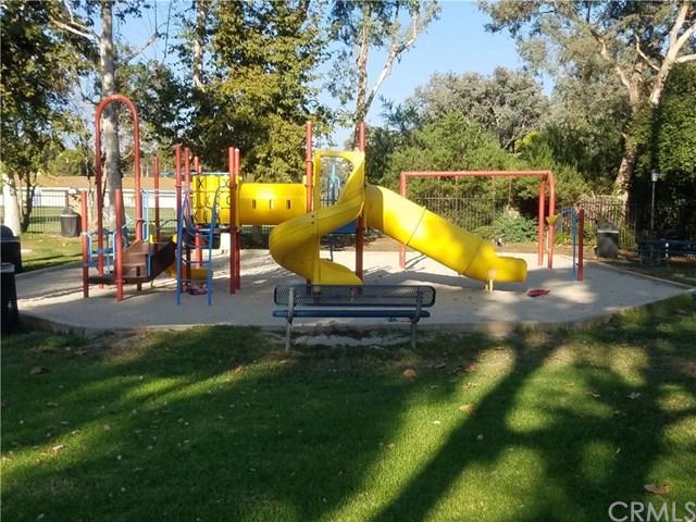 26358 Via Roble #28, Mission Viejo, CA 92691 (#PW17272443) :: Teles Properties   A Douglas Elliman Real Estate Company