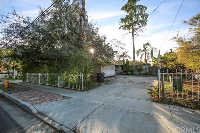 2205 Florida Street, Huntington Beach, CA 92648 (#OC17272622) :: Kato Group