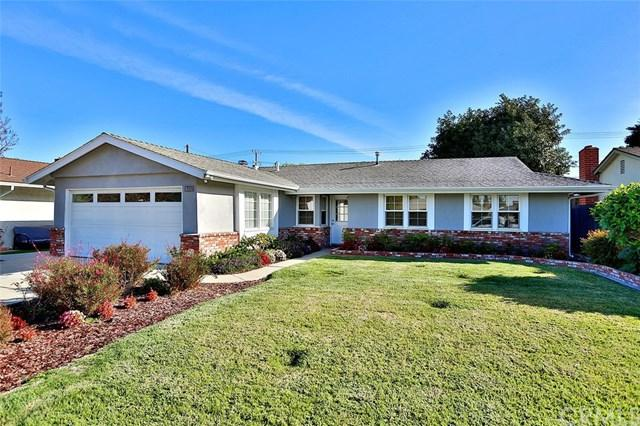 16352 Hollywood Lane, Huntington Beach, CA 92649 (#OC17272674) :: Z Team OC Real Estate