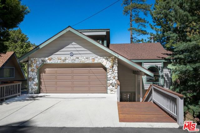 27541 W Shore Road, Lake Arrowhead, CA 92352 (#17295394) :: The Darryl and JJ Jones Team