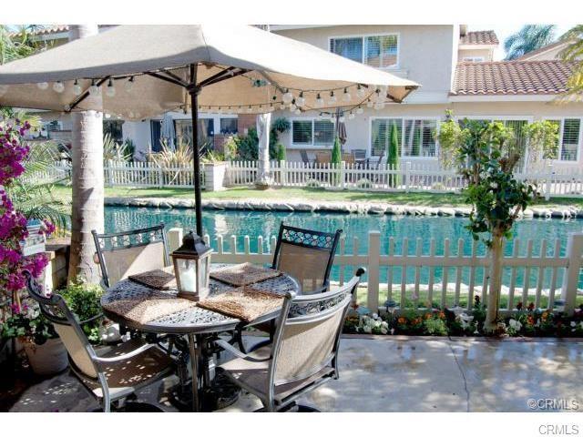 7876 Waterfall Circle #207, Huntington Beach, CA 92648 (#OC17272709) :: Z Team OC Real Estate