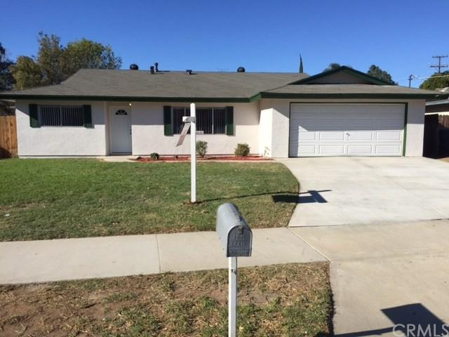 5568 Jones Avenue, Riverside, CA 92505 (#OC17272758) :: Kim Meeker Realty Group