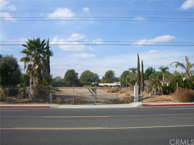 4379 Riverview Drive, Riverside, CA 92509 (#PW17273070) :: The DeBonis Team