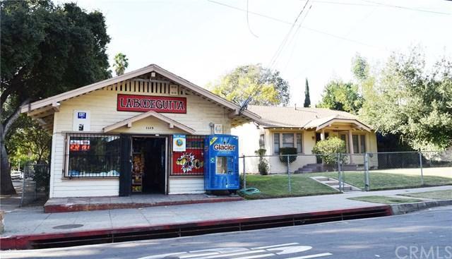 1135 N Summit Avenue, Pasadena, CA 91103 (#AR17273190) :: Mainstreet Realtors®