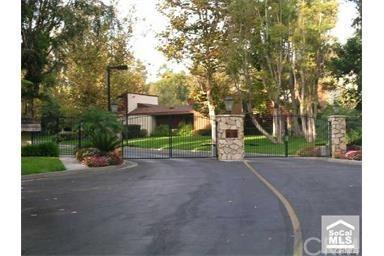 9421 Friendly Woods Lane, Whittier, CA 90605 (#DW17273342) :: Carrington Real Estate Services