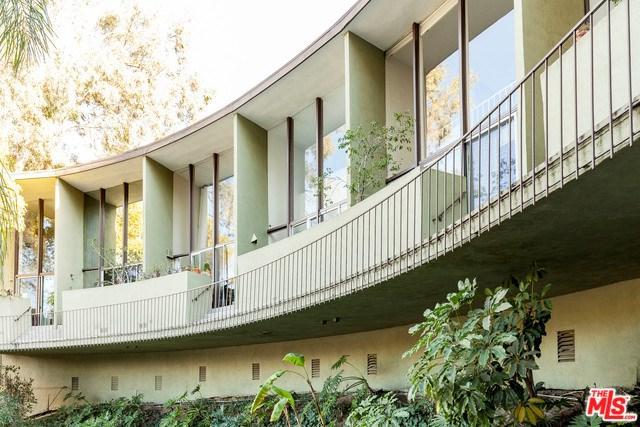 3625 Fredonia Drive #4, Los Angeles (City), CA 90068 (#17295766) :: DSCVR Properties - Keller Williams