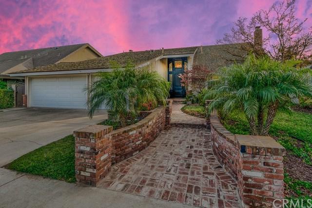 1813 Oriole Drive, Costa Mesa, CA 92626 (#PW17272156) :: Mainstreet Realtors®