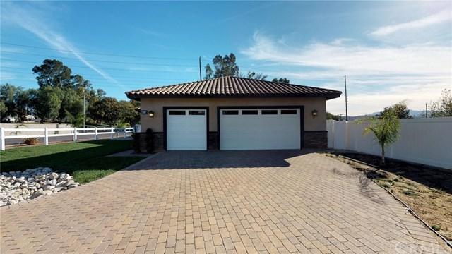 4612 Duarte Court, Riverside, CA 92505 (#IV17273727) :: Carrington Real Estate Services