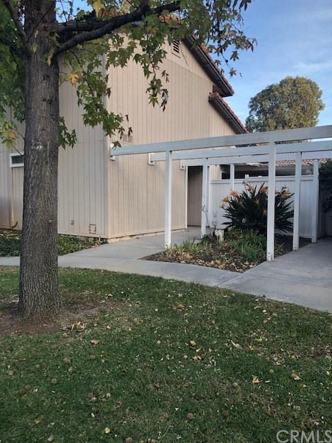1111 Border Avenue, Corona, CA 92882 (#IG17273740) :: Carrington Real Estate Services