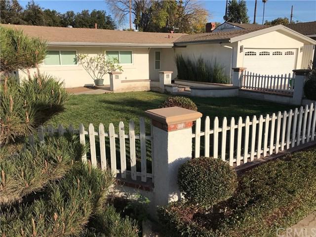3027 Floravista Court, Riverside, CA 92503 (#IG17274069) :: Carrington Real Estate Services