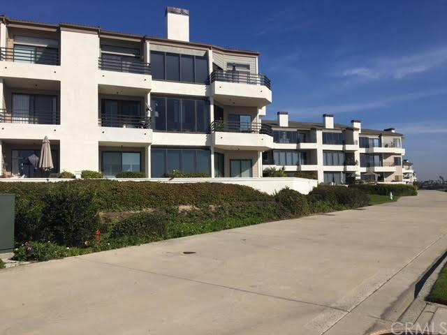 210 Lille Lane #218, Newport Beach, CA 92663 (#PW17274208) :: Scott J. Miller Team/RE/MAX Fine Homes