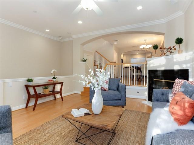717 E Olive Avenue, Burbank, CA 91501 (#BB17274117) :: Prime Partners Realty