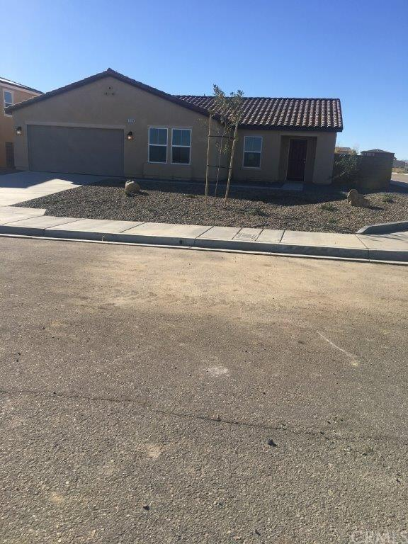 14191 Bison Court, Victorville, CA 92394 (#IV17274302) :: Carrington Real Estate Services