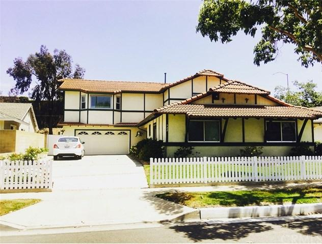 942 Cheyenne Street, Costa Mesa, CA 92626 (#OC17261019) :: DiGonzini Real Estate Group