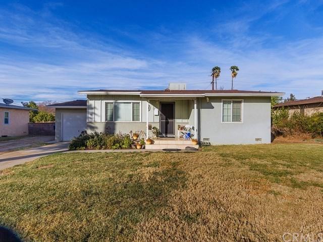 2461 Bunche Place, Riverside, CA 92507 (#IV17274313) :: Mainstreet Realtors®