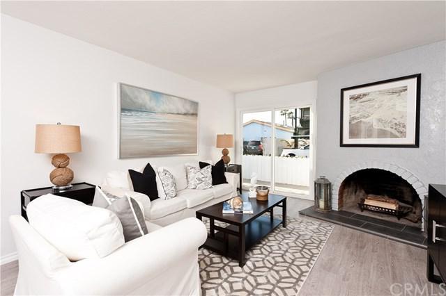 208 Fern Street, Newport Beach, CA 92663 (#NP17273674) :: Scott J. Miller Team/RE/MAX Fine Homes
