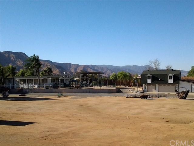 20361 Bryant Street, Wildomar, CA 92595 (#SW17274397) :: Dan Marconi's Real Estate Group