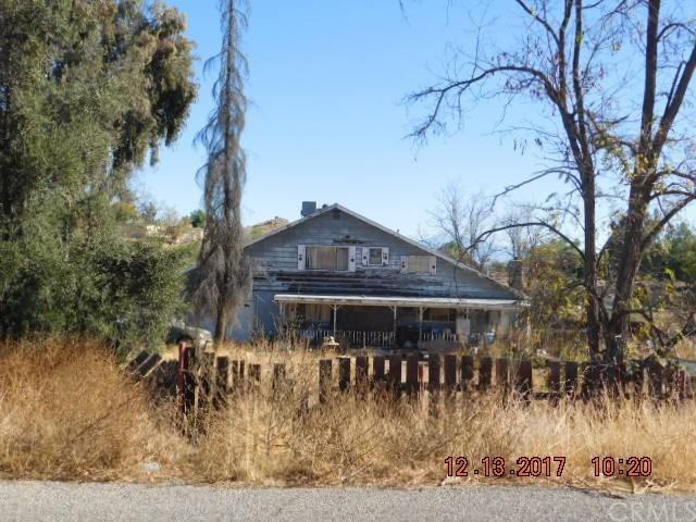 27240 Hammack Avenue, Perris, CA 92570 (#SW17274562) :: RE/MAX Estate Properties