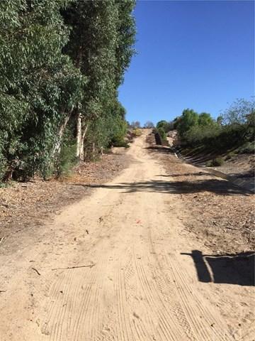 0 Adams/Old Nutmeg, Murrieta, CA  (#SW17274692) :: RE/MAX Estate Properties