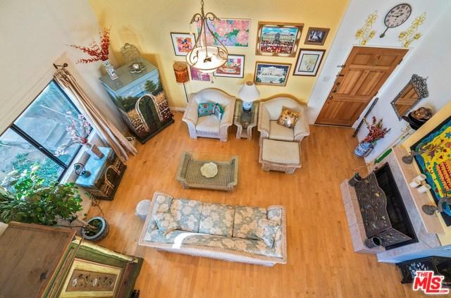 18433 Hatteras Street #507, Tarzana, CA 91356 (#17294982) :: Fred Sed Realty