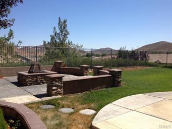32030 Sugarbush Lane, Lake Elsinore, CA 92532 (#IV17234223) :: Allison James Estates and Homes