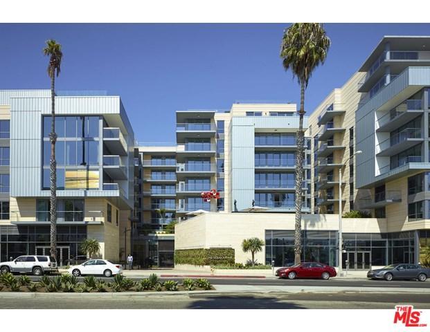 1755 Ocean #403, Santa Monica, CA 90401 (#17296368) :: Erik Berry & Associates