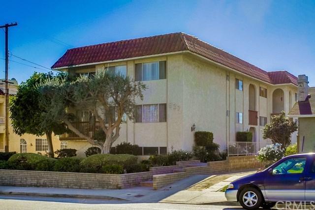 927 W 9th Street, San Pedro, CA 90731 (#SB17270731) :: Lamb Network