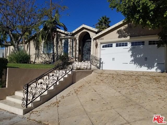 2916 N Kenneth Road, Burbank, CA 91504 (#17295774) :: Fred Sed Realty